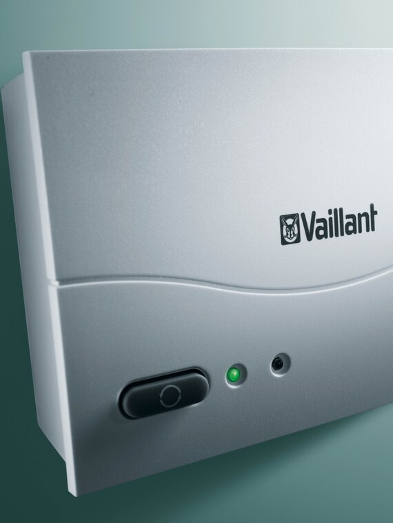 //www.vaillant.ba/media-master/global-media/vaillant/product-pictures/emotion/control08-1183-02-40554-format-3-4@570@desktop.jpg